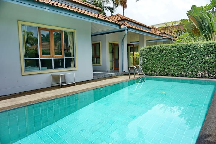 2BR Private Pool Villa in Chalong