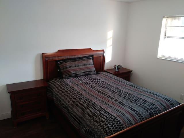 Cozy room biscayne garndens