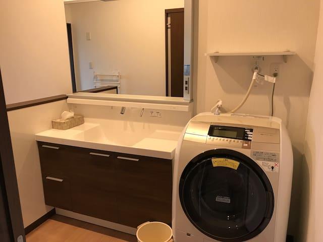 鶴アパートメント