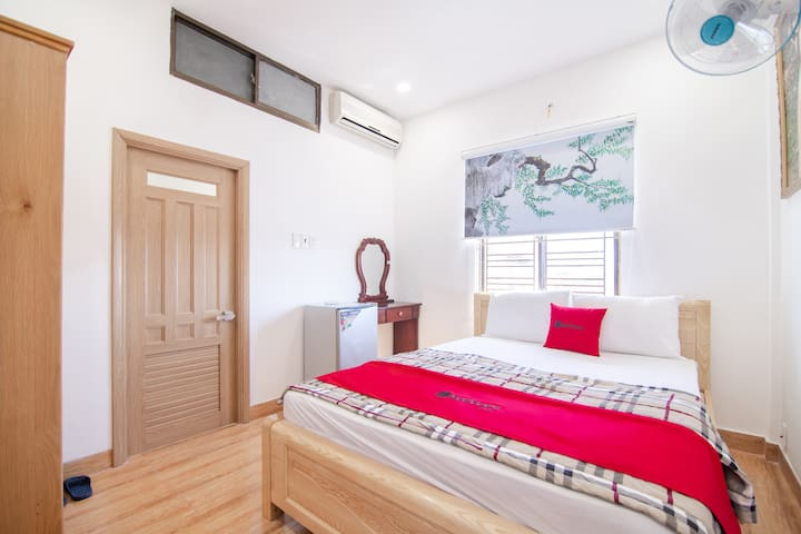 Private and Nice Standard Room | SG Train Station