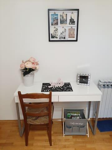 Dnevna soba-radni stol