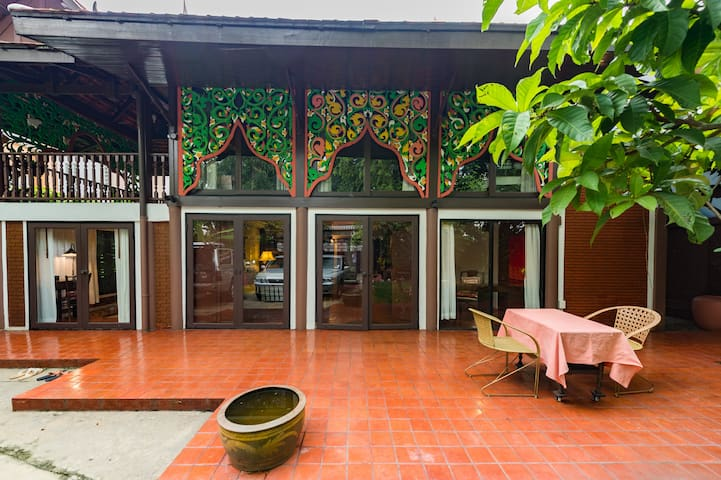 Cozy & Relaxing Authentic Thai Villa