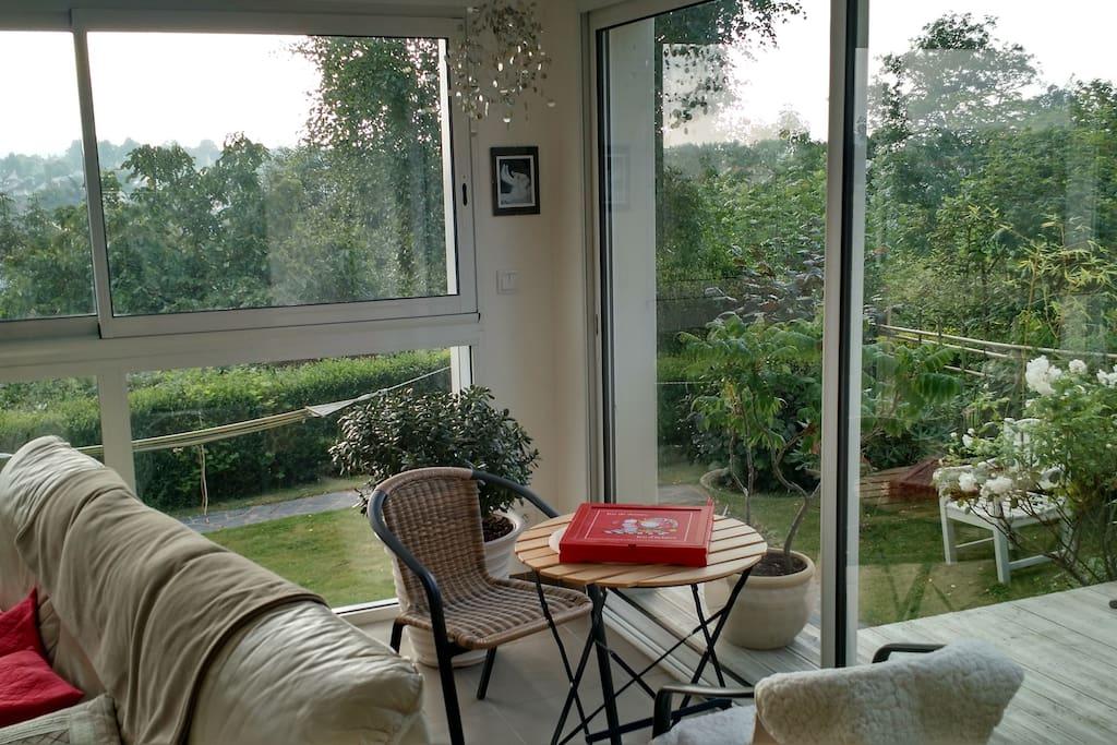 Spacieuse maison 3 chambres jardin 2 terrasses maisons for Liquidation meuble de jardin laval