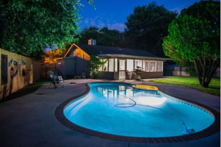 The Pool House on Avalon