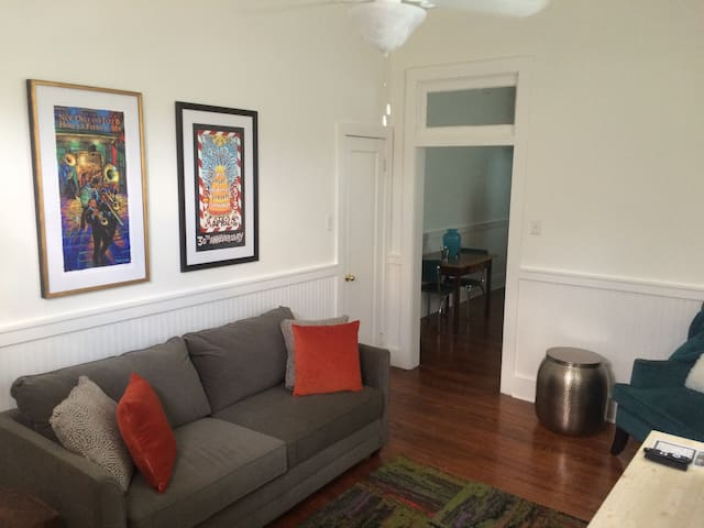 Treme Apt , 4 Blocks from FQ