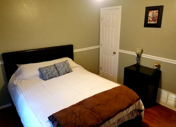 Cozy Room in South Fort Worth