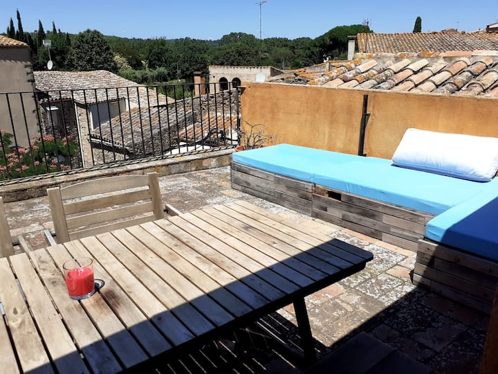 Old house w terrace/views Costa Brava TELEWORK RDY