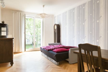 Spacious, well located room for two - Warschau
