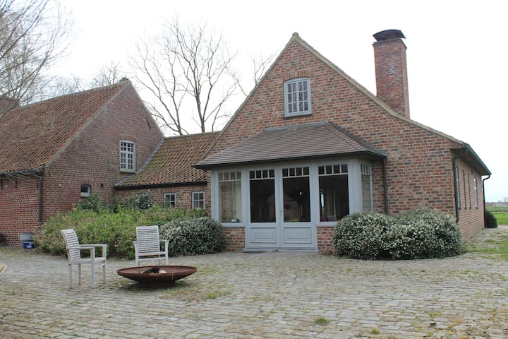 Cosy holidayhome in the countryside - Kuurne - Talo