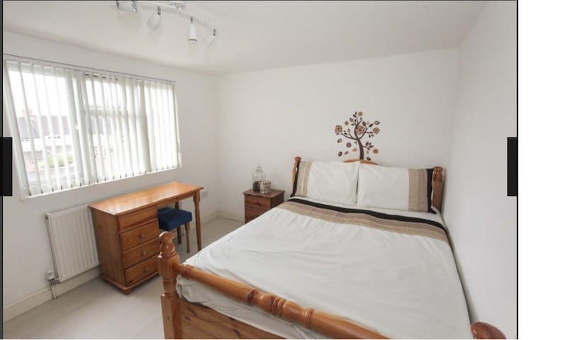 Newly refurbished Large Double Room in Luton - Luton