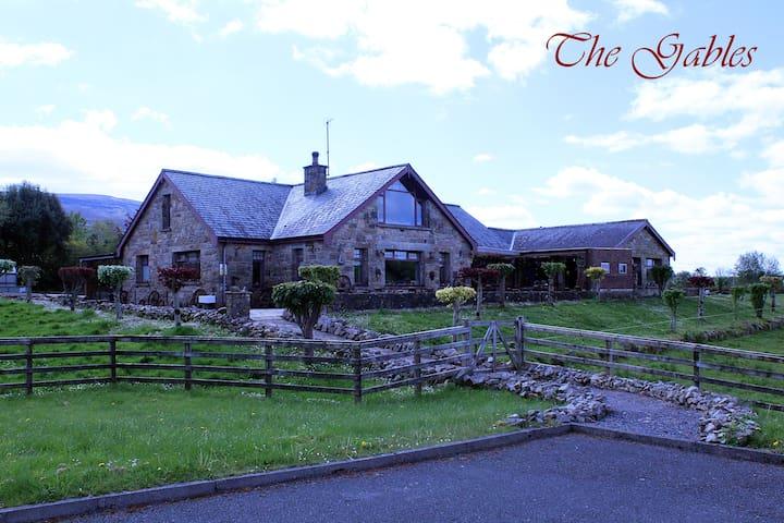 The Gables - Farmhouse accommodation