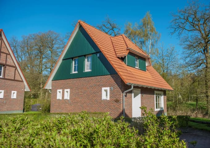 Luxury Bungalow with private sauna - Bad Bentheim - Bungalo