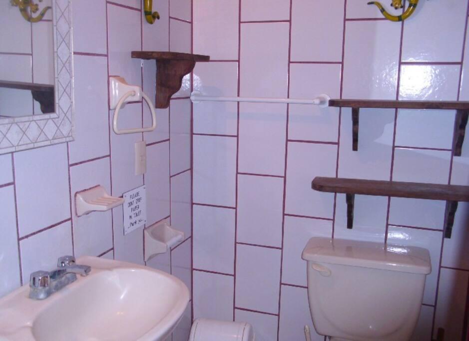 Girasol - Bathroom