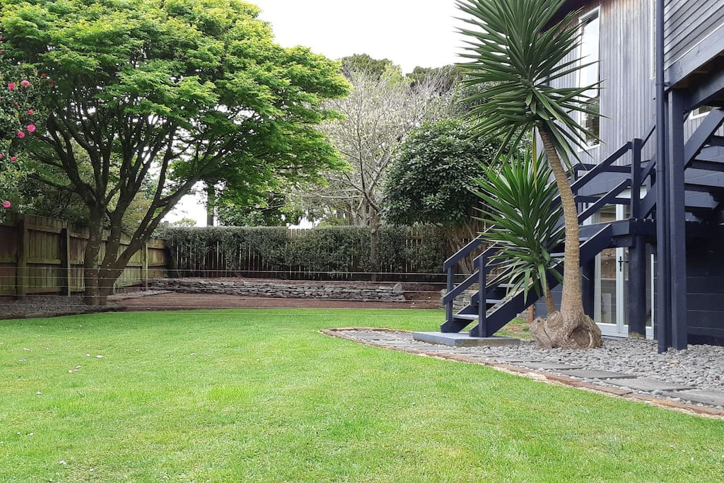 Garden and walkway to studio
