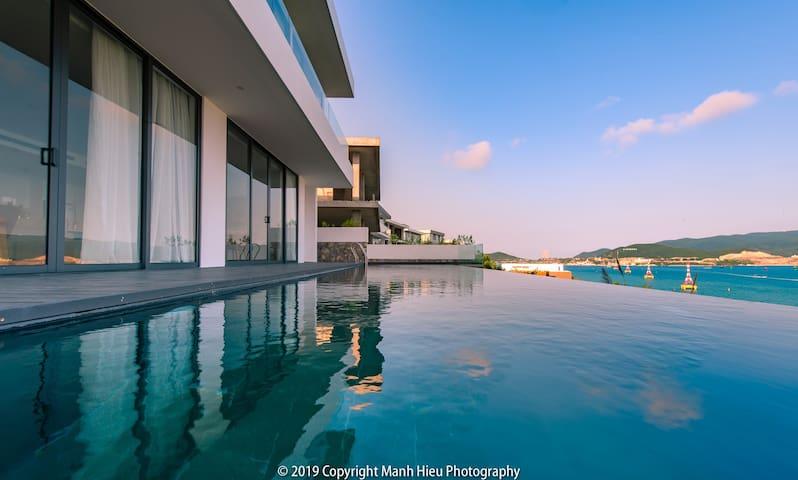 Casa Blanca Villas - Ocean Infinity pool &garden