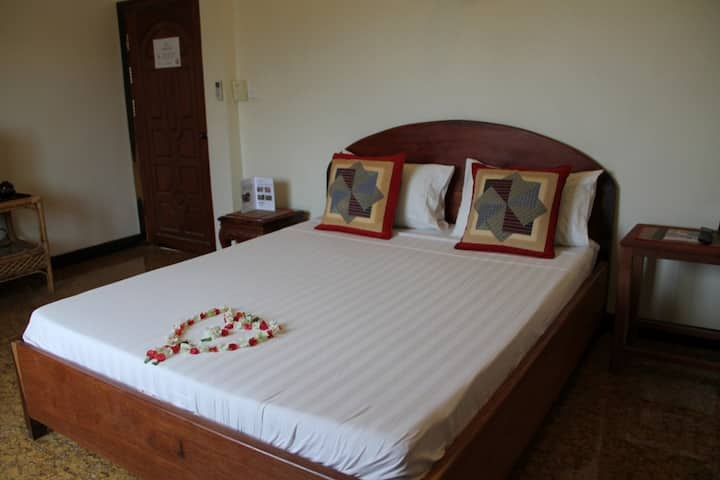 Pleasant room for two in Battambang
