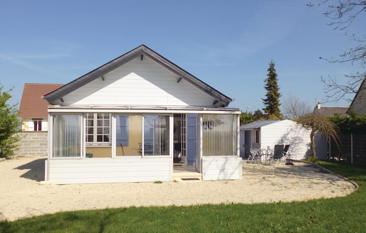 Beautiful home in Bernieres-Sur-Mer with 1 Bedrooms