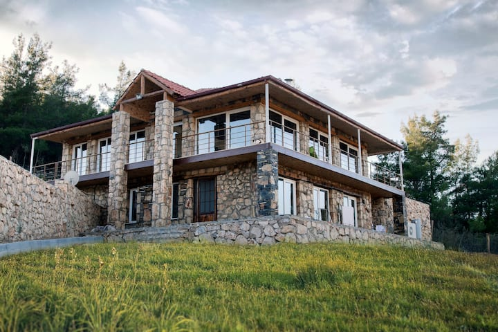 Farm House, place to unplug and enjoy life...!!