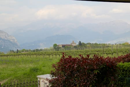 Charming villa near the lseo lake - Cremignane