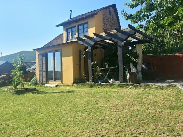 Casa rural en El Bierzo - Moldes - Casa