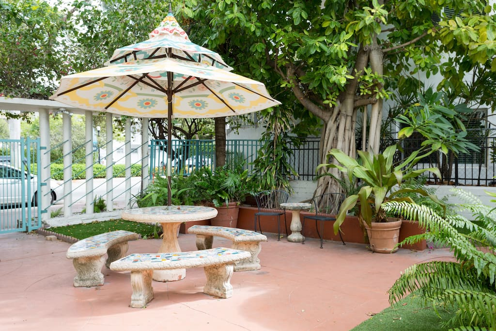 Garden and outdoor seating