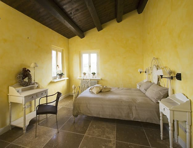 Camera privata, casa rurale storica, vicino mare - Camerano - Bed & Breakfast