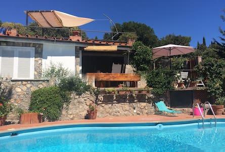 Villetta con piscina privata - Ansedonia