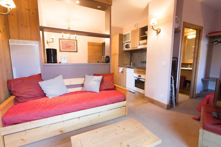 10Apartment 4* - Pool - Sauna - Wifi - Fully equipped - At the ski slopes
