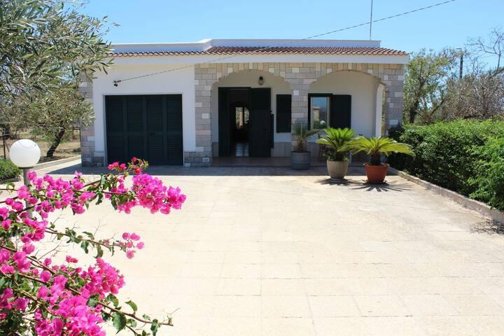 Casa Vacanza Villa Marika zona Gallipoli 10 p.l.