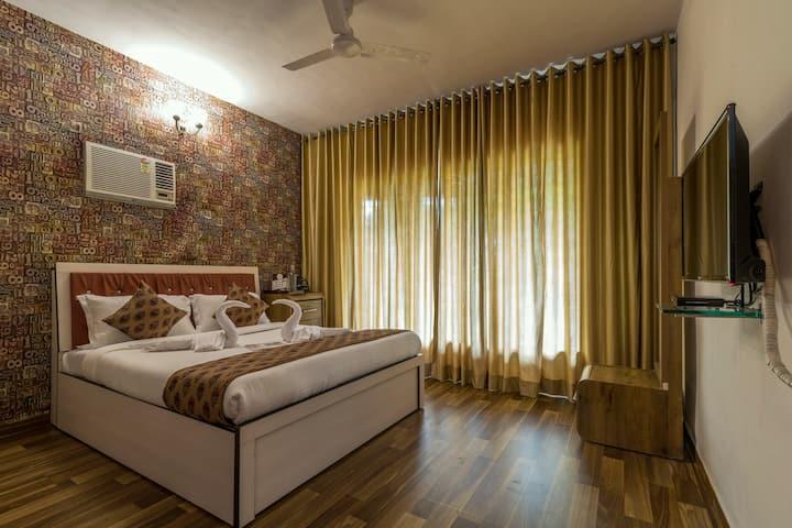 Classic 2 Bedroom apartment in Kandivali east