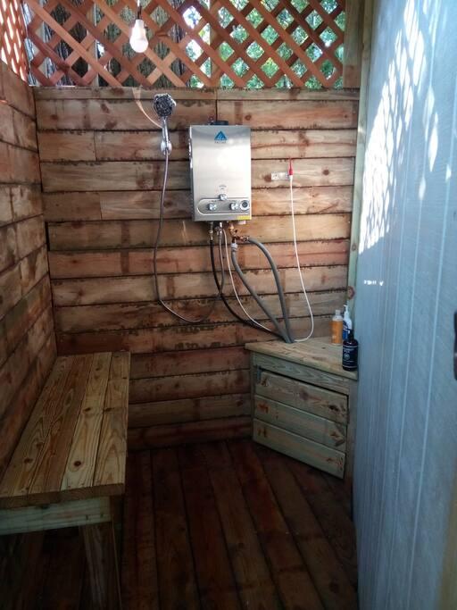 Wooden wonder heated private sun light shower cedar/pine aromas