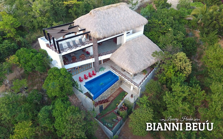 "Luxury House ""Bianni Beuú"""