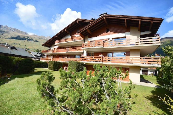 Charming two bedrooms apartment in the center of Verbier