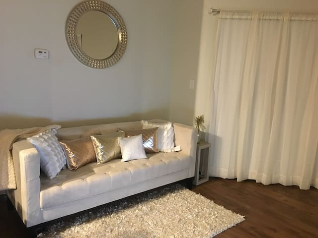 Shared house/private living room - Marietta - Apartmen