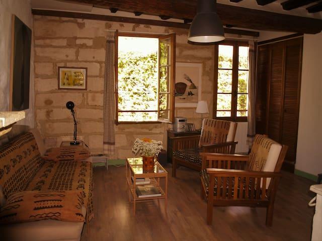 Avignon Centre Historique, 50m2 charme et calme - Avignon - Apartamento