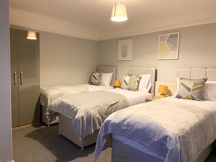 *FREE PARKING* - Gunwharf Reach Apartment 5