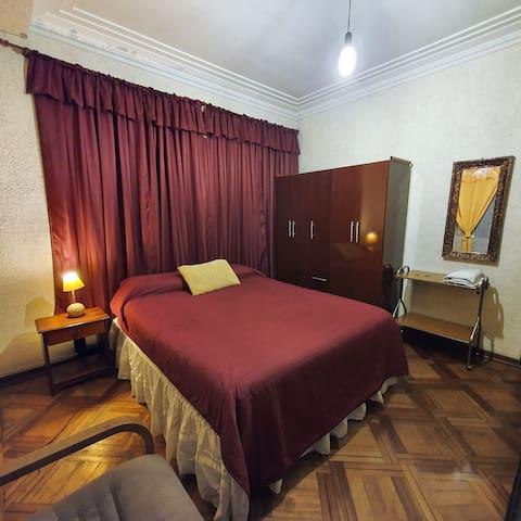 Habitación en sector Plaza Italia. 1 ó 2 personas