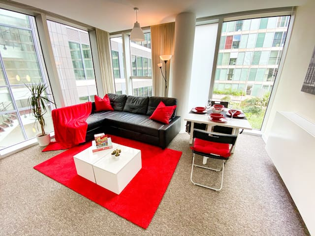 ⭐Central HUB Apartment with Parking & Netflix⭐