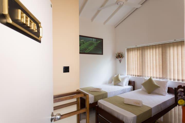 Shalom Residence Kandy (Room Reeta)