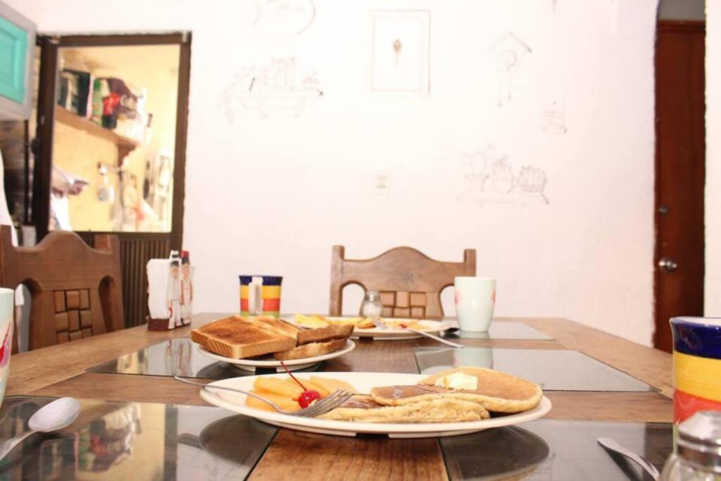 Desayunos al momento y servicios incluidos!