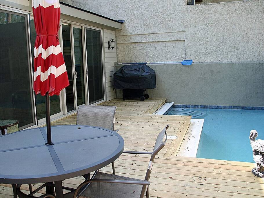 Newly updated deck/patio pool area.