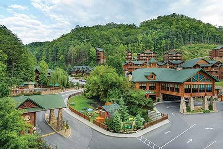 Westgate Smoky Mountains Resort & Spa w/Waterpark