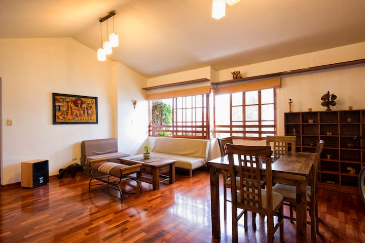 Arty spacious bright flat - Miraflores - Apartament