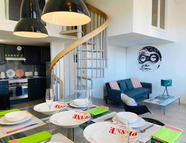 The Cannes Apartment: Cool spacious loft living