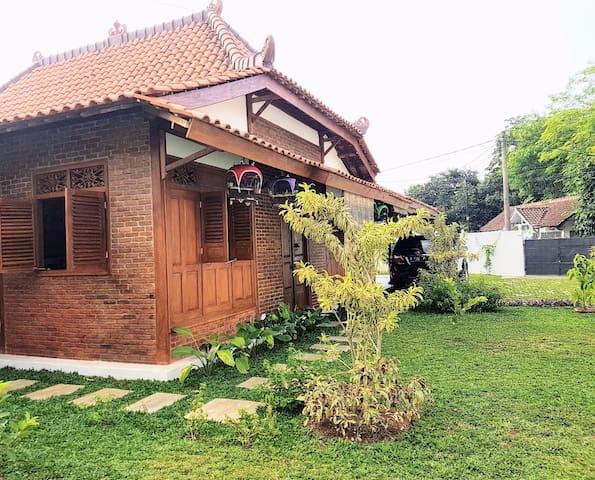 nDalem Julang Bogor - Javanese House 2BR