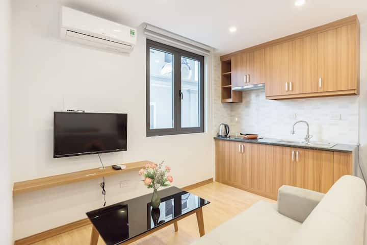 REAL HEART HANOI ✯ COZY & SPACIOUS 1 BR ✯ LAKESIDE