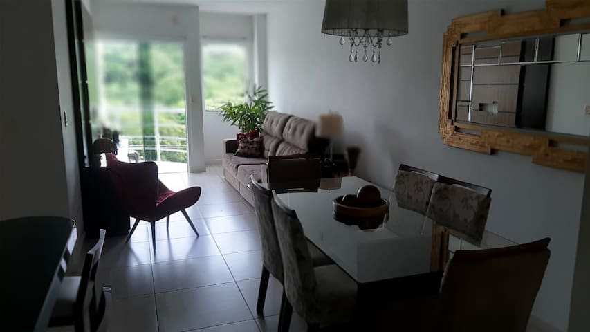 Apartamento com 3 quartos no centro de Imbituba