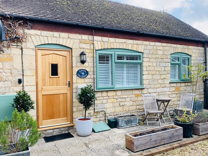 Cosy cottage for two in the heart of Winchcombe