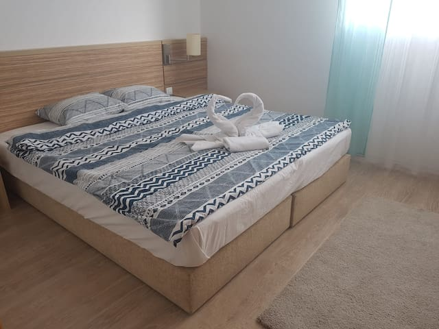 Otopeni RIN Apartment - Free and Secured PARKING