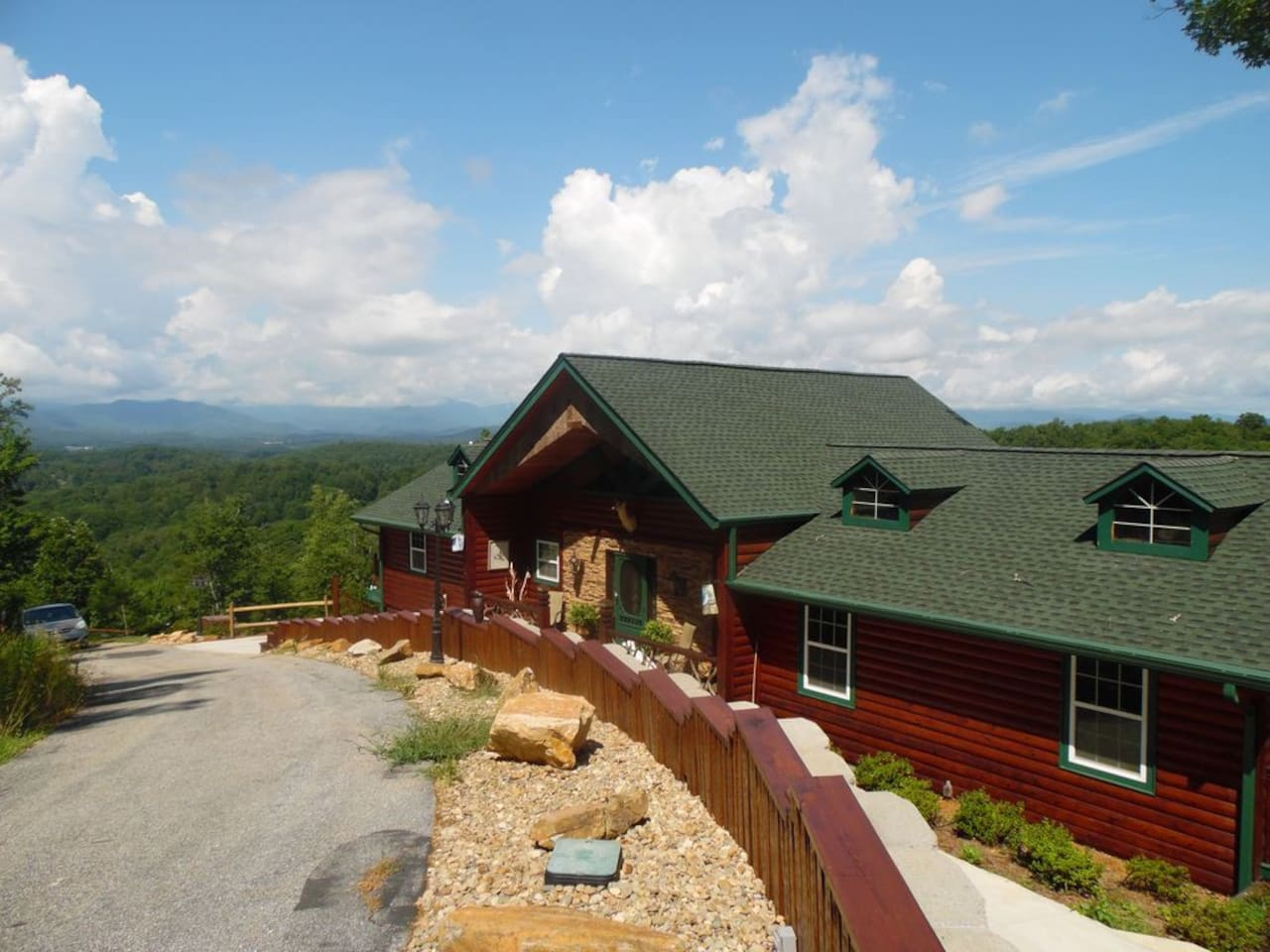 STREET VIEW of Your MOUNTAIN RETREAT